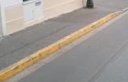 Arrêt et stationnement interdit (marquage au sol)